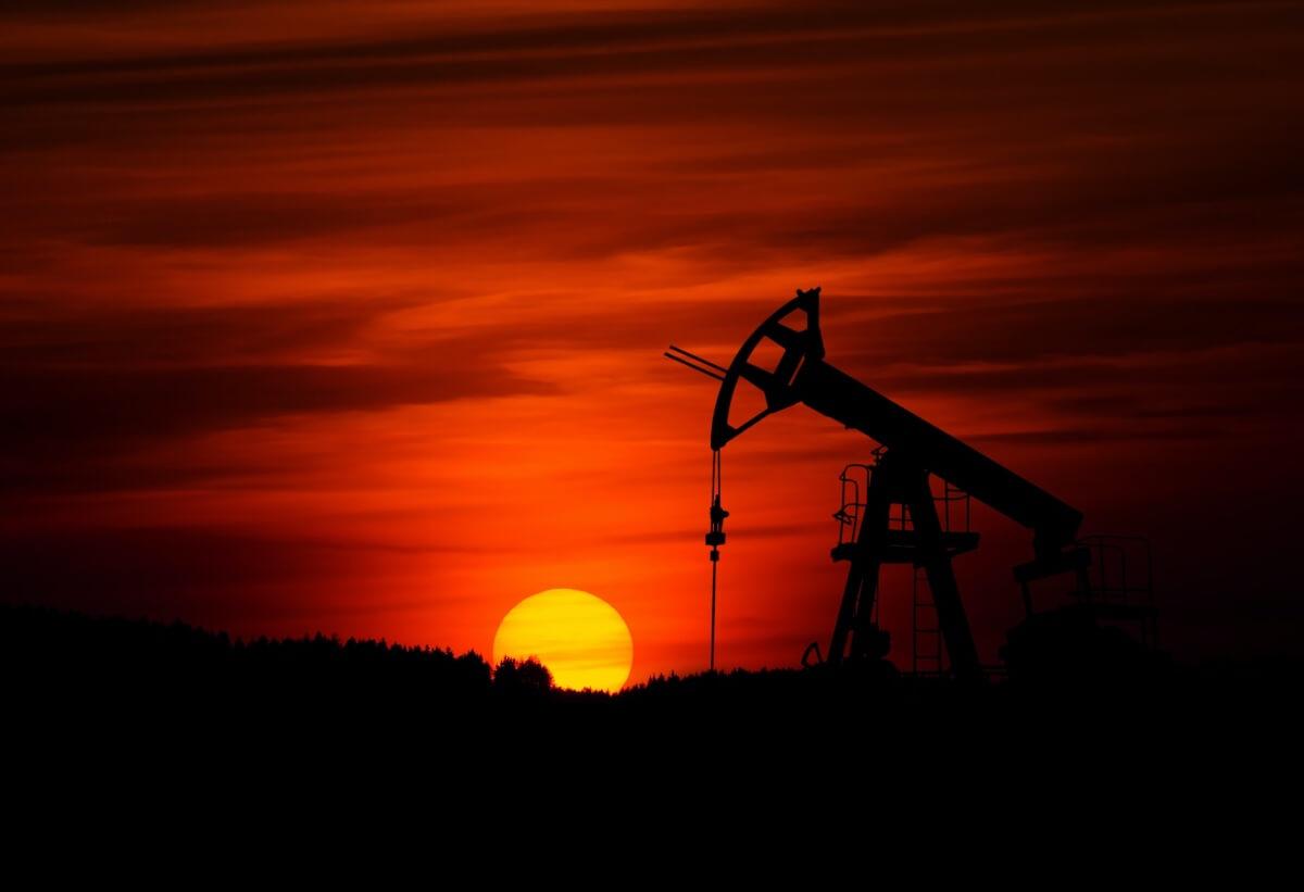 Это нужно знать чтобы купить нефтяные акции