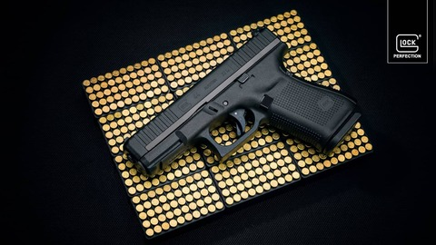 Немного про пистолет Glock, компанию Glock GmbH, и инженера Гастона Глока.